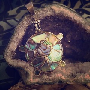 Jewelry - Abalone pendant